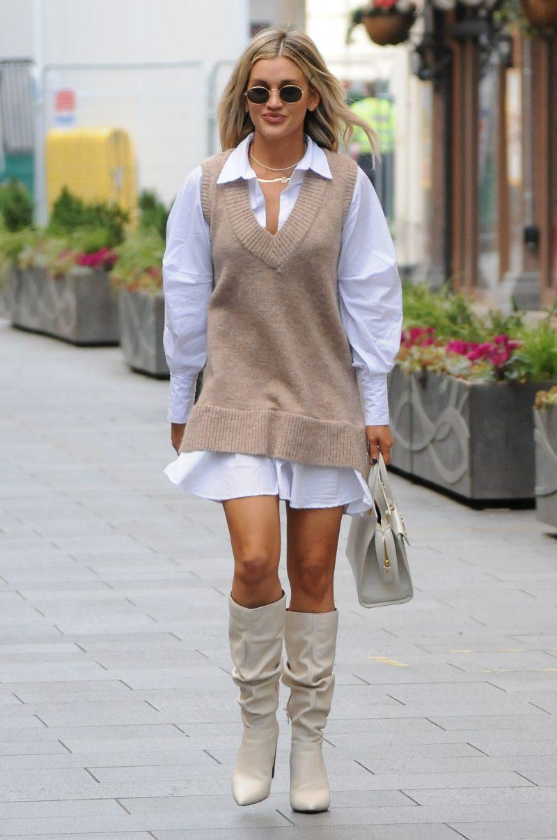 Ashley Roberts seen leaving Global Studios, Heart FM, London UK, 18 November 2020