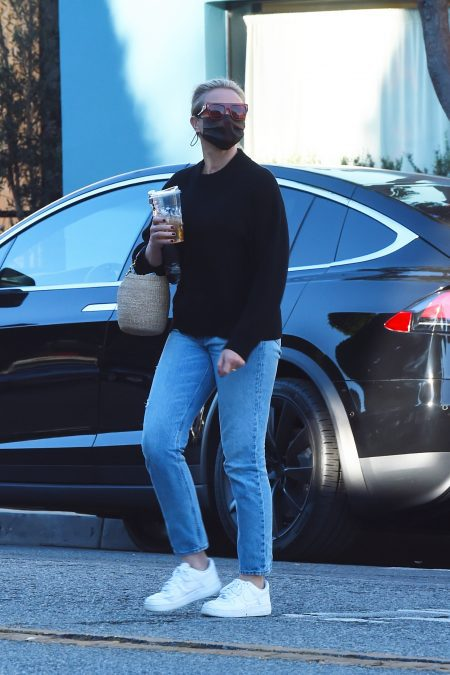 Cameron Diaz is seen leaving the hair salon after getting her hair done