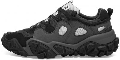 Black Bolzter Sneakers
