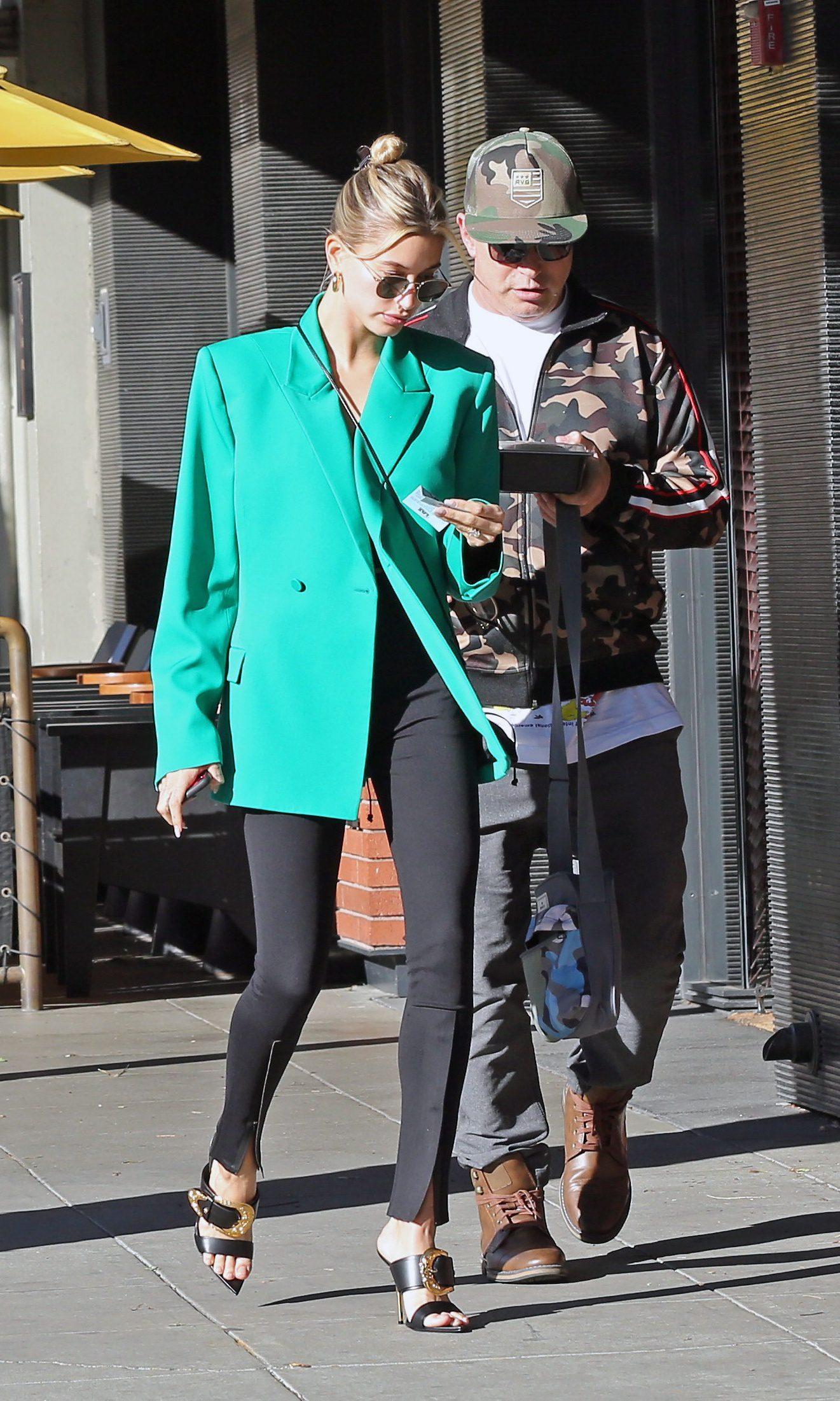 Hailey Bieber enjoys lunch with father Stephen Baldwin