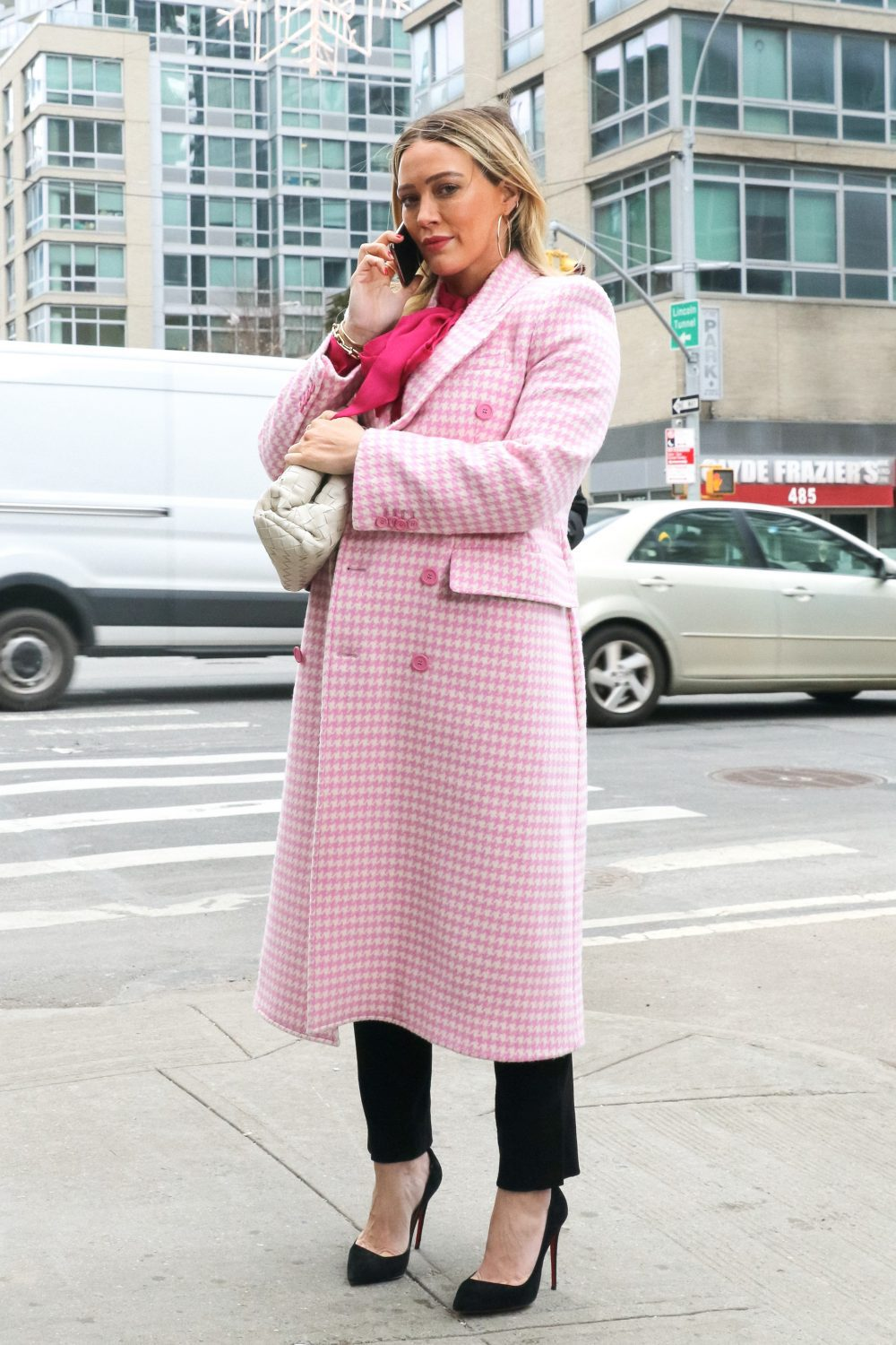 Hilary Duff at film set of the 'Younger' TV Series
