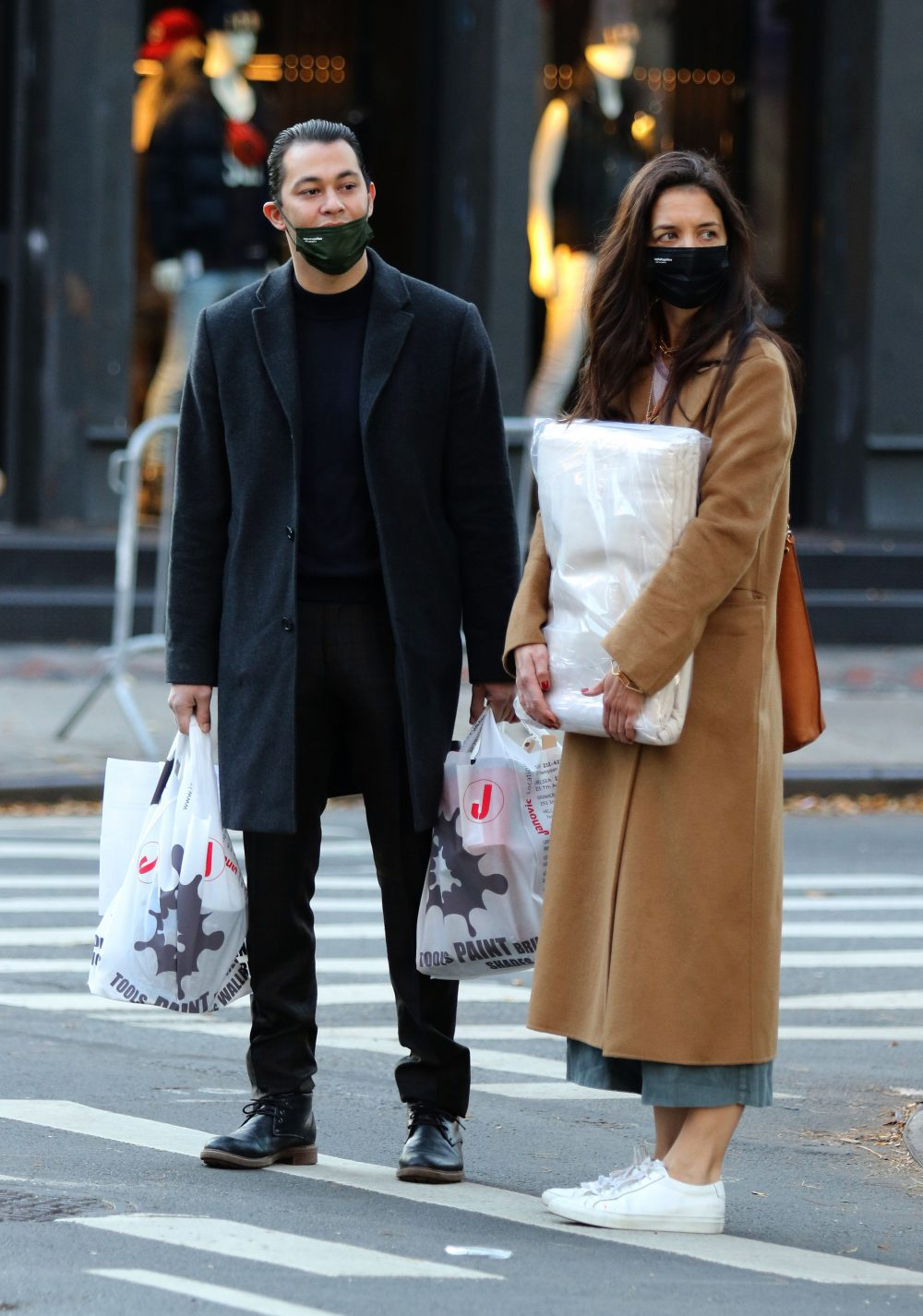 Katie Holmes and Emilio Vitolo Jr. are all smiles as they have their hands full while shopping in NYC