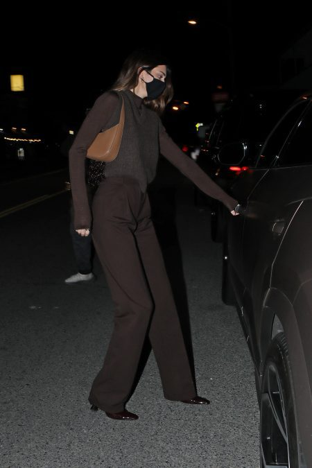 Sisters Kendall and Kylie Jenner grab dinner at Giorgio Baldi restaurant