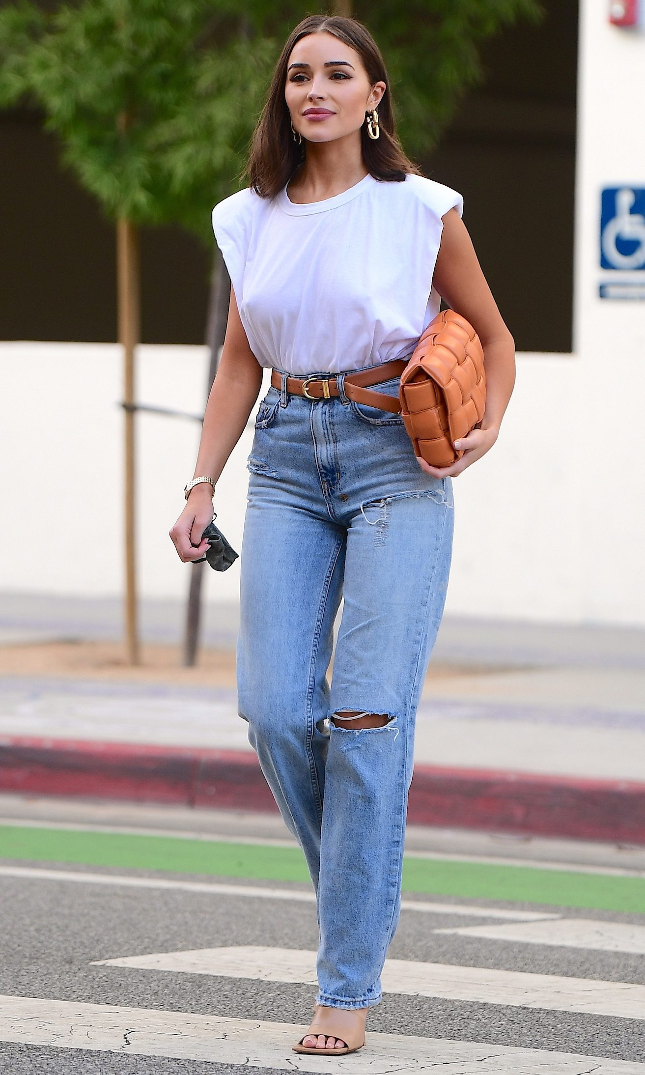 Olivia Culpo Heads to Dinner in Santa Monica With Younger Sister Sophia